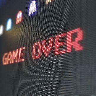 Ein Bildschirm mit der Aufschrift Game Over